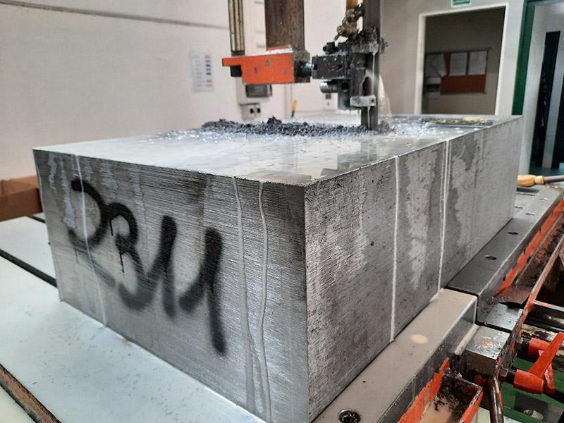 taglio acciaio su misura 400CrMnMo7